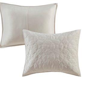 NWOT 2 Madison Park Emery Pillow Shams Faux Velvet